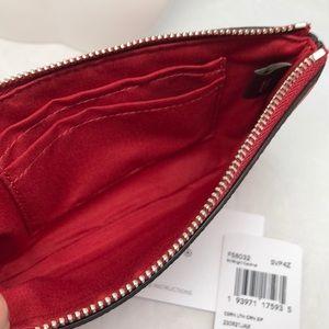 Coach Bags - NEW💥COACH Corner Zip Leather Wristlet #F58032